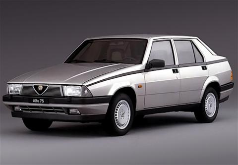 Alfa Romeo 75 - 3