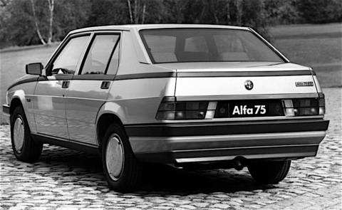 Alfa Romeo 75 - 4