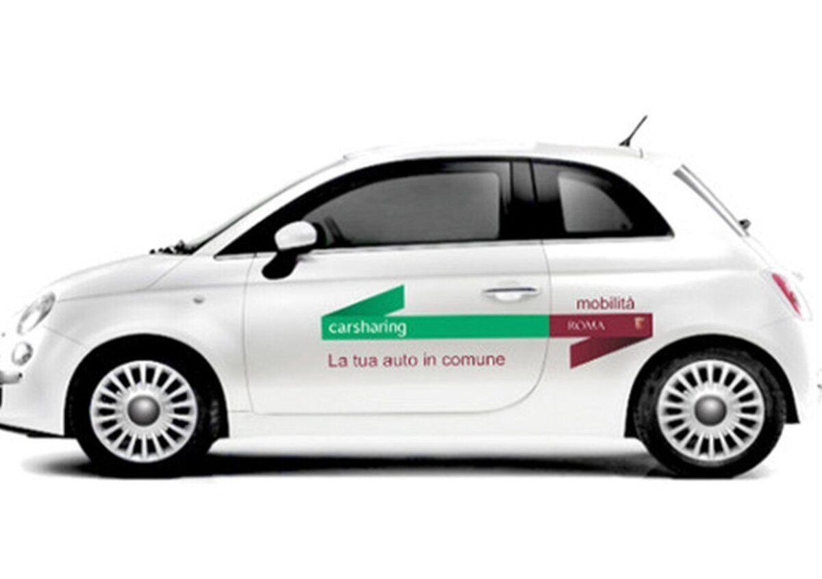 Coronavirus auto car sharing Roma