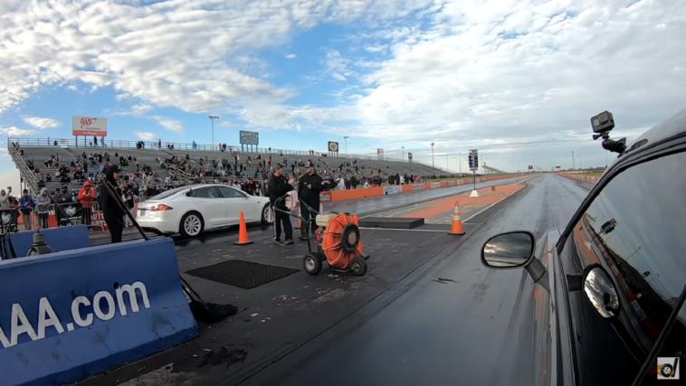 Dodge Challenger SRT Hellcat Redeye vs Tesla Model S Raven DragTimes