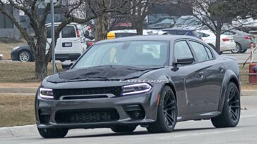 Dodge Charger SRT Hellcat Redeye Widebody foto spia