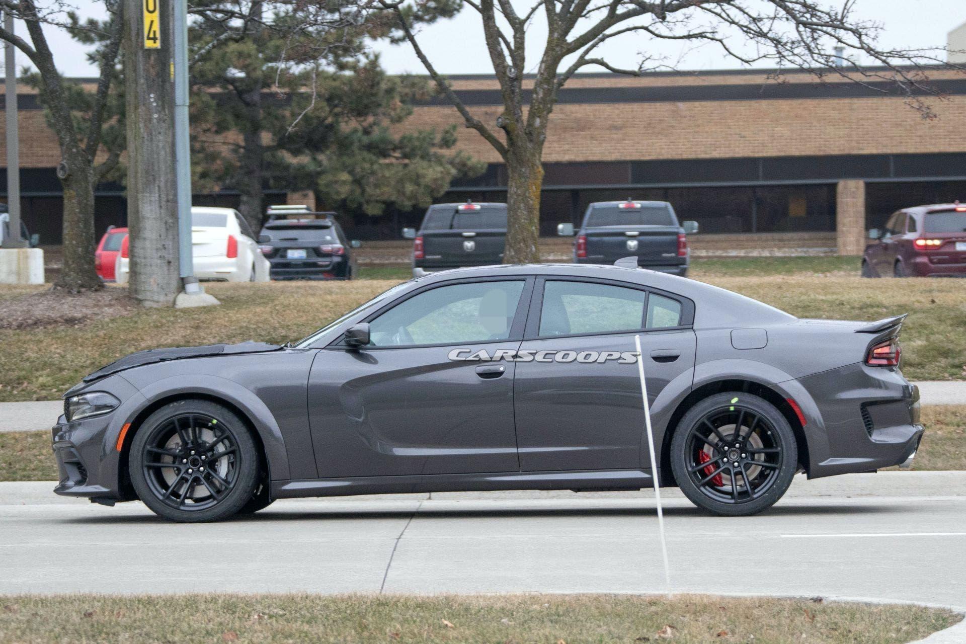 Dodge Charger SRT Hellcat Redeye Widebody foto spia
