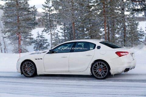 Maserati Ghibli 2021 test invernali foto spia