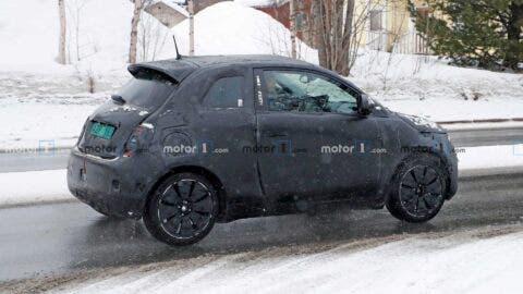 Nuova Fiat 500 elettrica hardtop foto spia