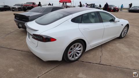 Tesla Model S Raven DragTimes
