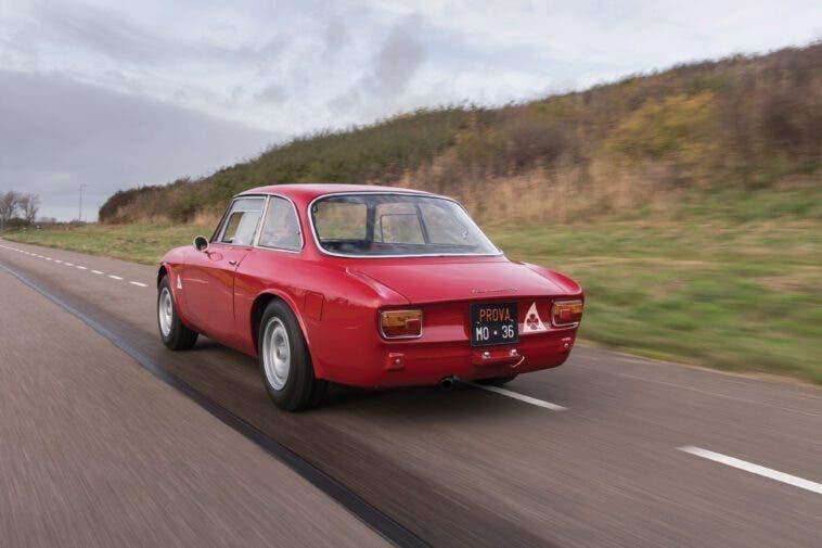 Alfa Romeo Giulia GTA - 1