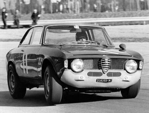 Alfa Romeo Giulia GTA SA