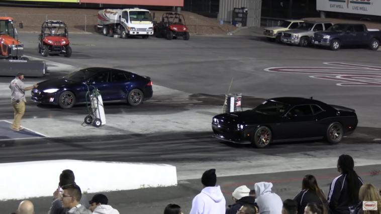 Dodge Challenger R/T Scat Pack 1320 Tesla Model S drag race Wheels
