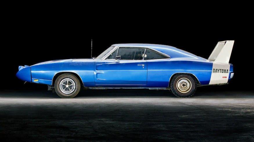 Dodge Charger Daytona 1969 abbandonata