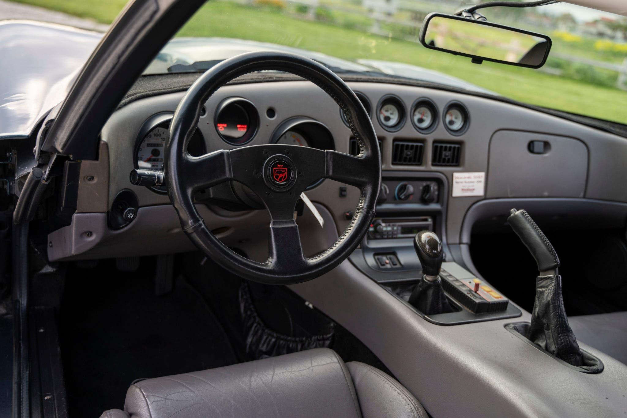 Dodge Viper Hennessey Venom 550 asta