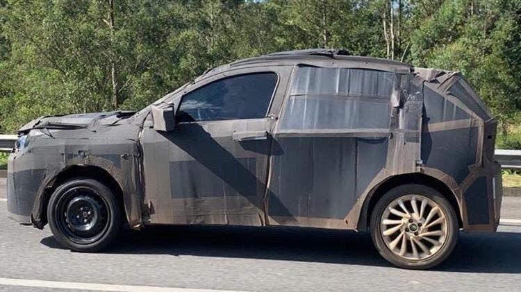 Fiat SUV base Argo foto spia