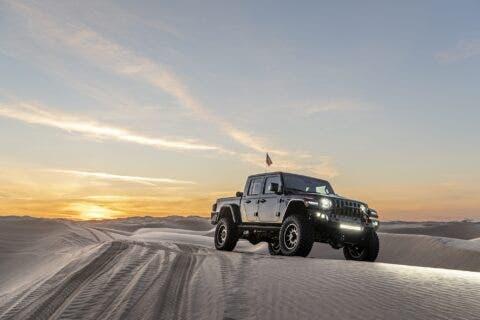 Hennessey Maximus Jeep Gladiator deserto
