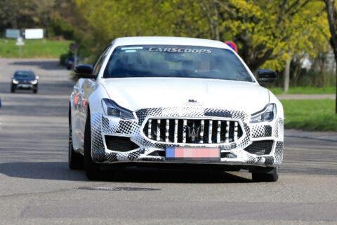 Maserati Quattroporte 2021 foto spia