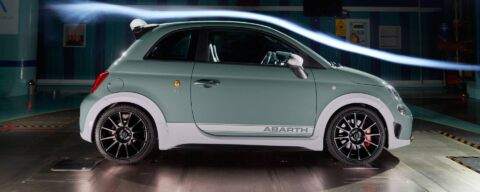 Abarth 695 70° Anniversario spoiler Assetto Variabile