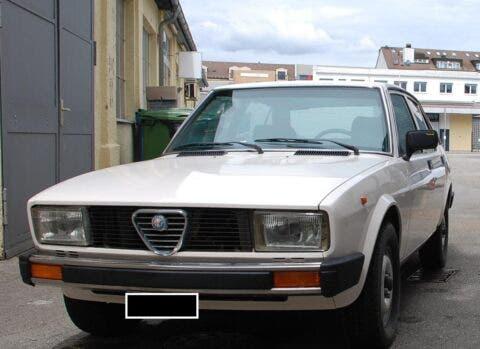 Alfa Romeo Alfetta 2000 blindata 1980 asta