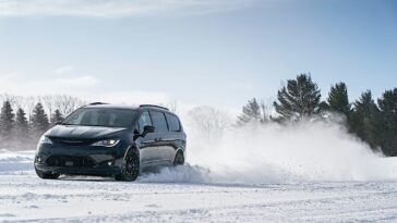 Chrysler Pacifica AWD Launch Edition