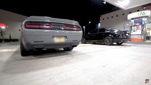 Dodge Challenger SRT 392 vs Audi S4 modificata drag race