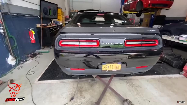 Dodge Challenger SRT Demon Hellephant