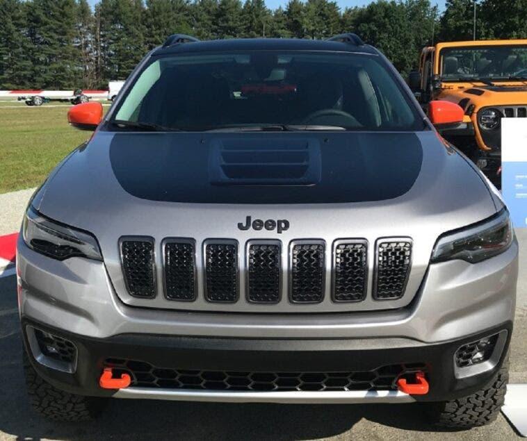 Jeep Cherokee Deserthawk concept