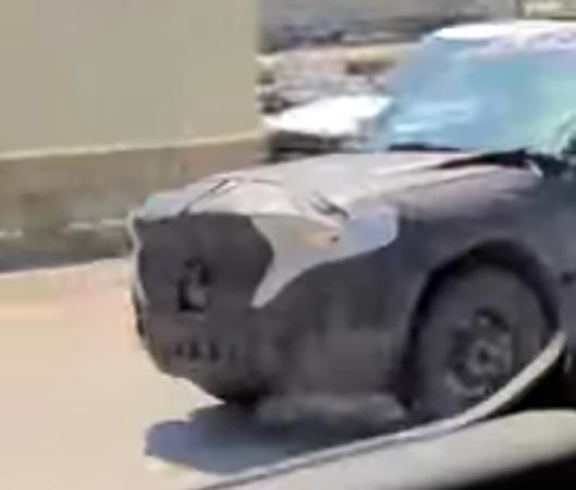 Jeep Grand Cherokee 2021 sette posti foto spia