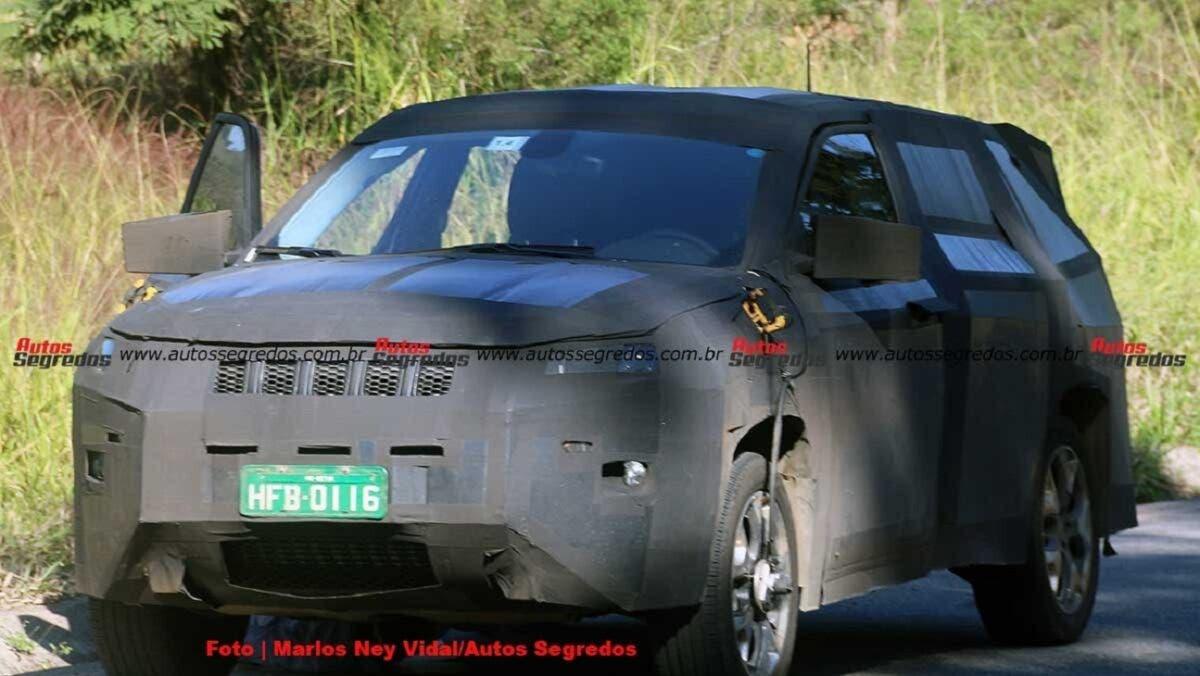 Jeep Grand Compass foto spia