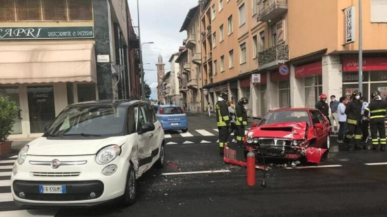 Lancia Delta HF Integrale incidente Biella