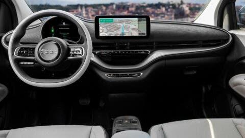 Nuova Fiat 500 Elettrica berlina La Prima