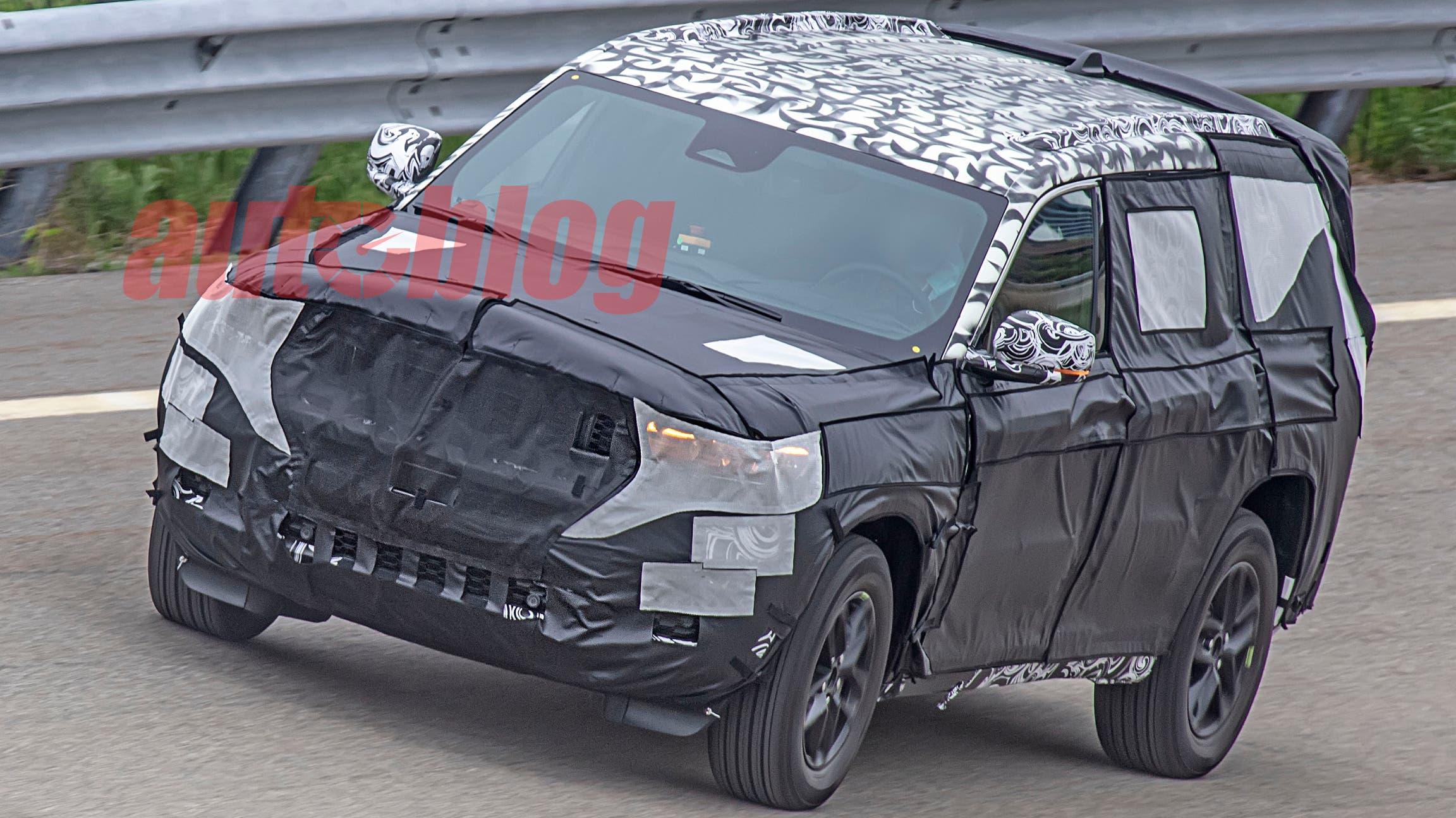 Nuova Jeep Grand Cherokee foto spia