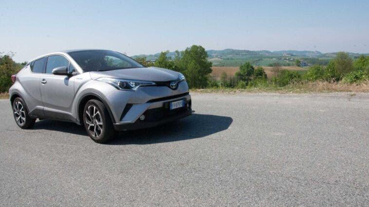 Toyota C-HR ibrida metano