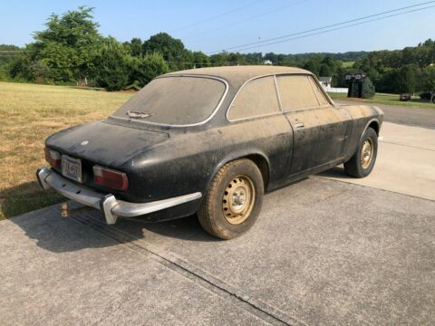 Alfa Romeo 2000 GTV barn find