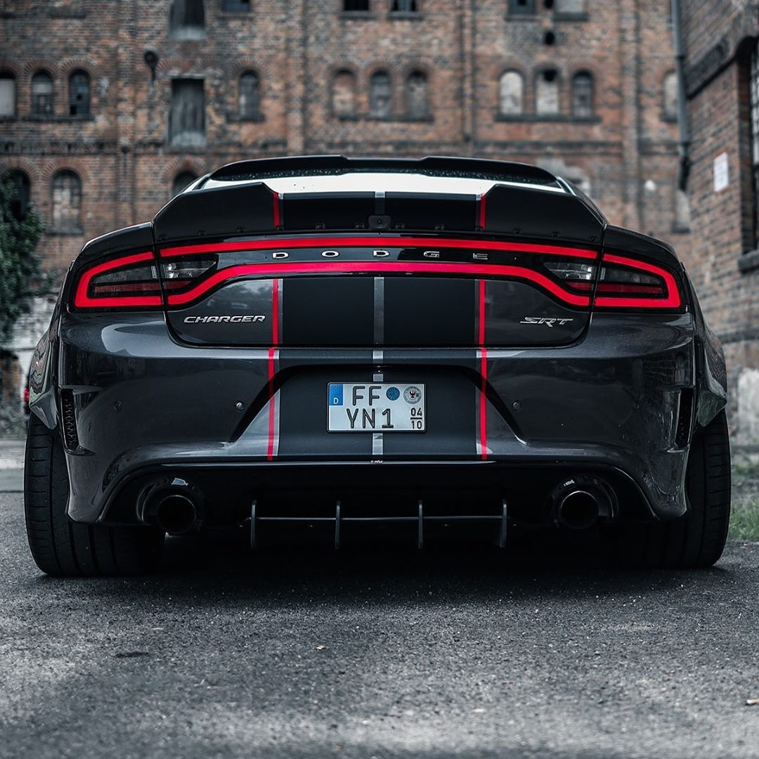 Dodge Charger SRT Hellcat modificata