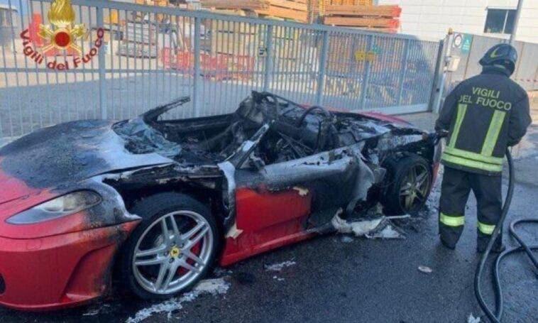 Ferrari F430 Spider prende fuoco