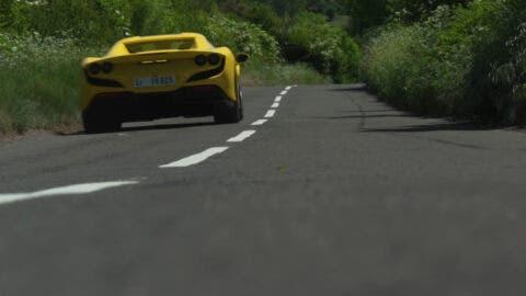 Ferrari F8 Spider Autocar