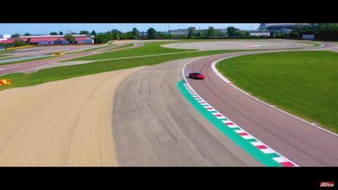 Ferrari SF90 Stradale SportAuto