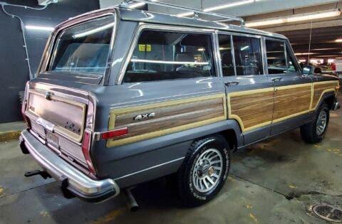 Jeep Grand Wagoneer 1988 asta