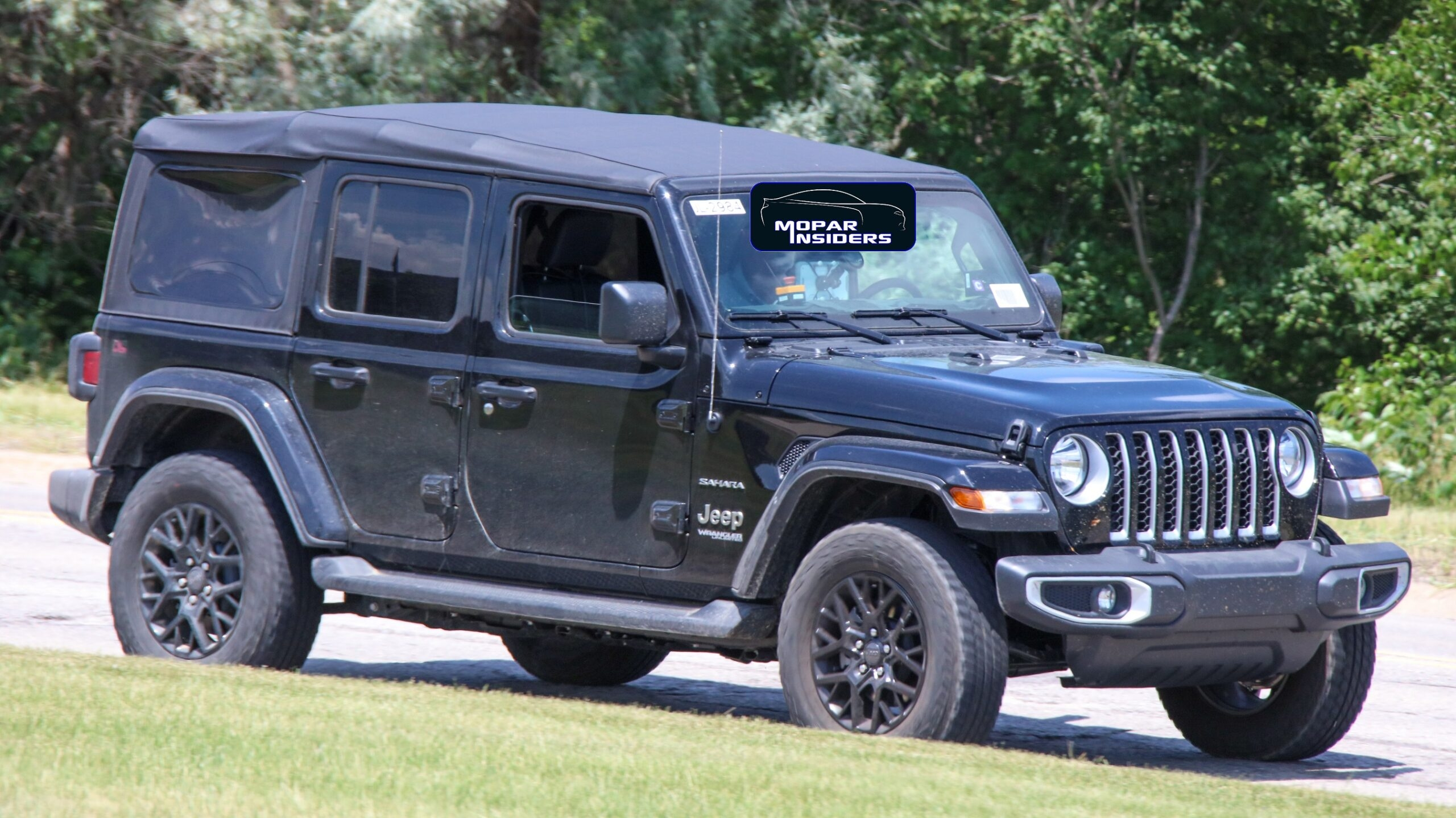 Jeep Wrangler Unlimited 4xe prototipi foto spia