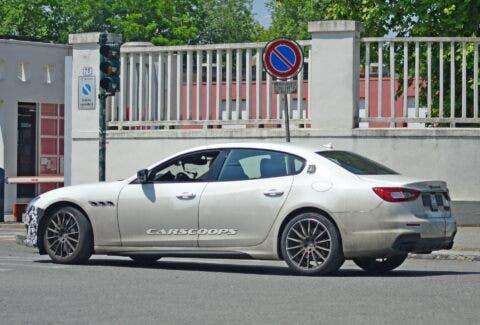 Maserati Quattroporte 2021 ultime foto spia