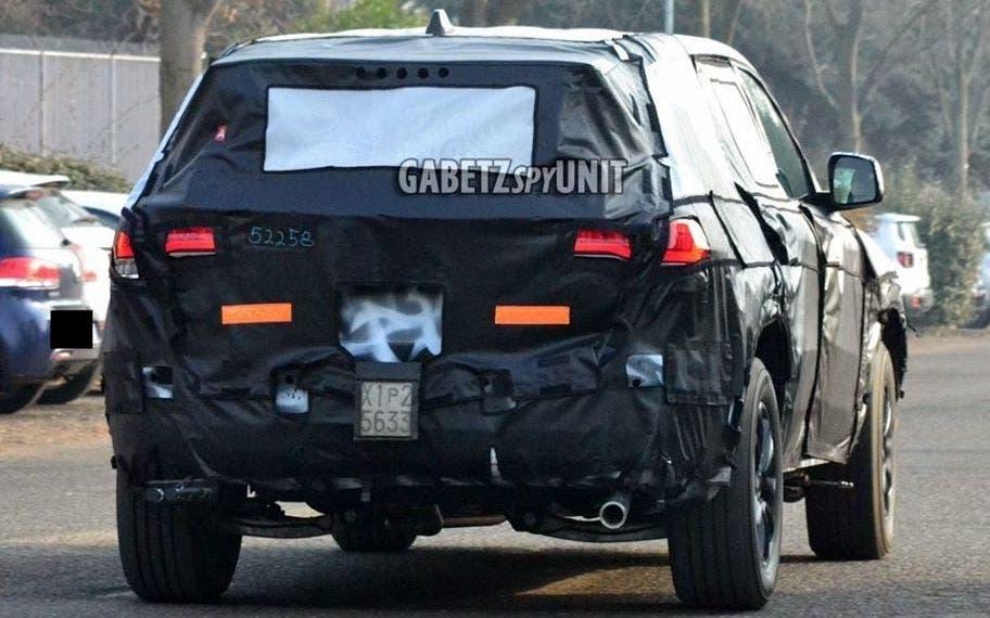 Nuova Jeep Grand Cherokee foto spia Italia