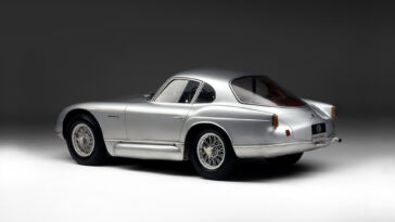 Alfa Romeo 2000 Sportiv3
