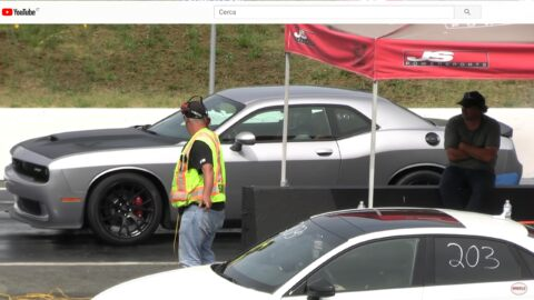 Dodge Challenger SRT Hellcat vs Audi RS3 drag race