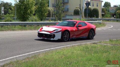 Ferrari 812 GTS foto Maranello