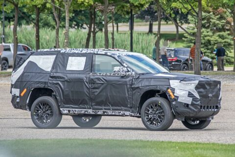 Jeep Grand Cherokee tre file foto spia