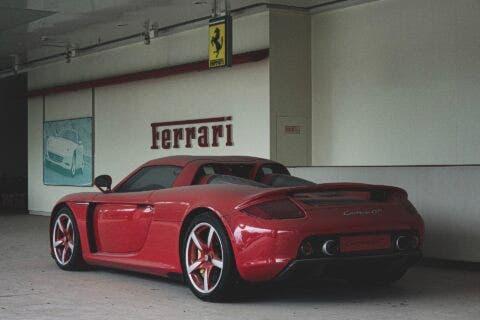 Porsche Carrera GT abbandonata