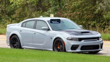Dodge Charger SRT Hellcat Redeye Widebody 2021 foto strada