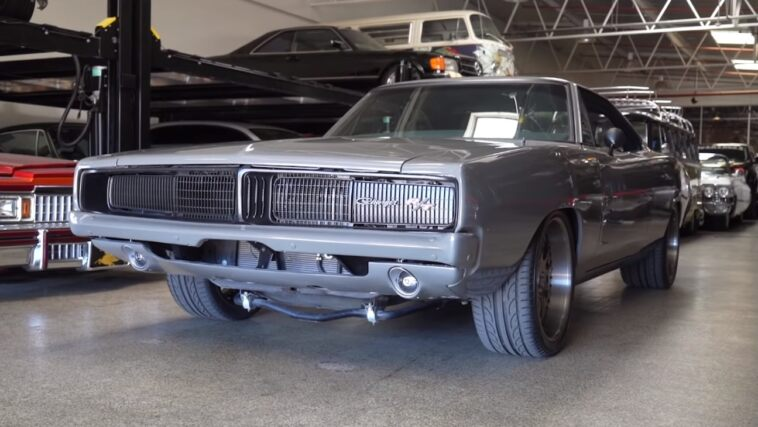 Dodge Charger restomod Uribe Performance