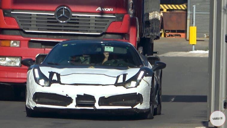 Ferrari supercar ibrida prototipo