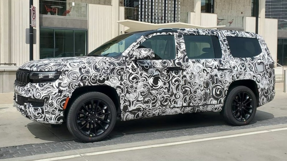 Jeep Wagoneer 2022 prototipi foto spia