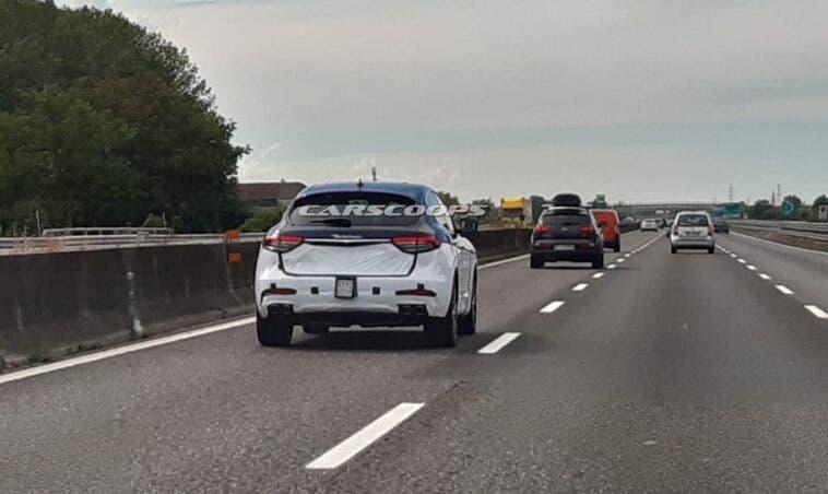 Maserati Levante 2021 foto spia Italia