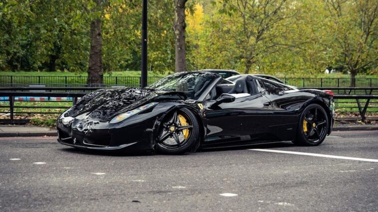 Ferrari 458 Spider incidente Londra