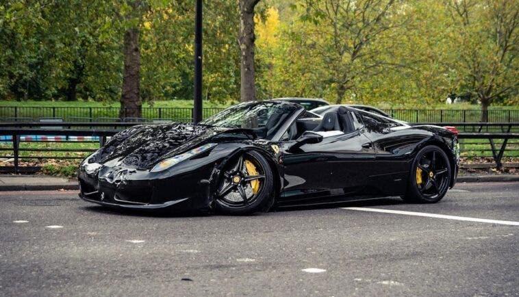 Ferrari 458 Spider incidente Londra